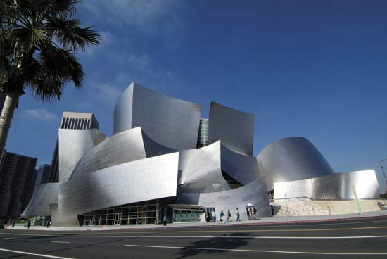 http://mikebm.files.wordpress.com/2008/06/walt-disney-hall-13.jpg