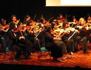 capella amadeus dan concertmistress grace sudargo