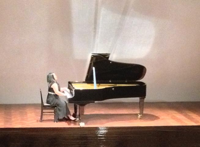 Nesca Alma di panggung Goethe