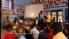 Aris Daryono mengajarkan gamelan di sekolah dasar di London